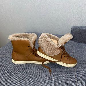 UGG Womens Croft Luxe Quilt Chestnut Sneaker
